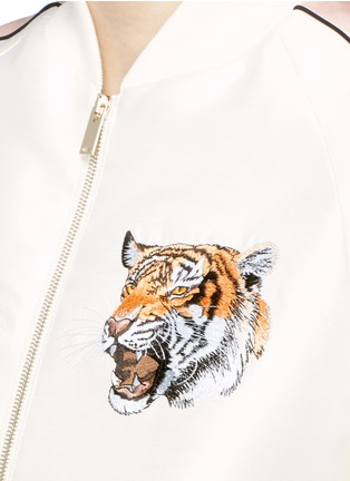 Detail View - Click To Enlarge - Stella McCartney - Tiger embroidery duchesse satin bomber jacket