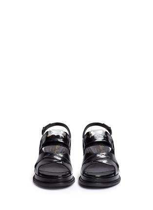 模特儿示范图 - 点击放大 - ROBERT CLERGERIE - Gamure交叉搭带仿宝石真皮凉鞋