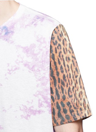 Detail View - Click To Enlarge - SAINT LAURENT - Leopard print tie dye effect T-shirt
