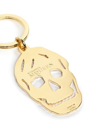 Detail View - Click To Enlarge - Alexander McQueen - Cutout enamel skull keyring