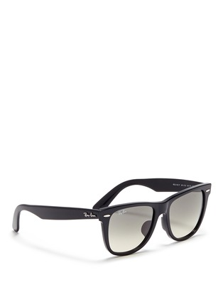 模特儿示范图 - 点击放大 - RAY-BAN - 'Original Wayfarer' acetate sunglasses