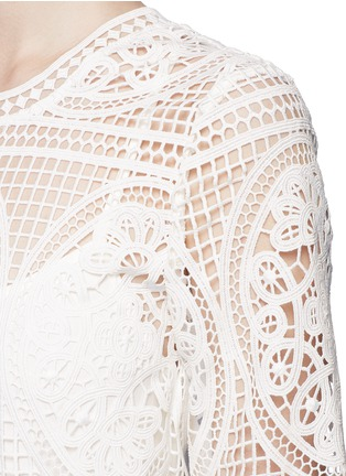 Detail View - Click To Enlarge - Mo&Co. - Geometric floral lace dress