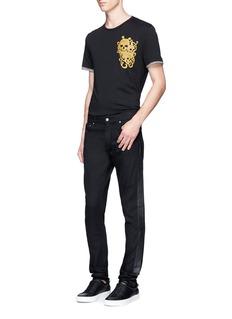 Alexander McQueenSkull embroidered cotton T-shirt
