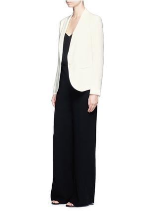 模特儿示范图 - 点击放大 - THEORY - 单色绉绸西服外套