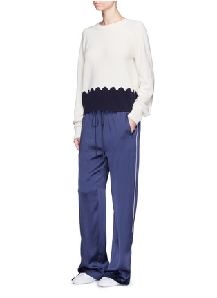 Figure View - Click To Enlarge - Chloé - Piped trim silk satin pyjama pants