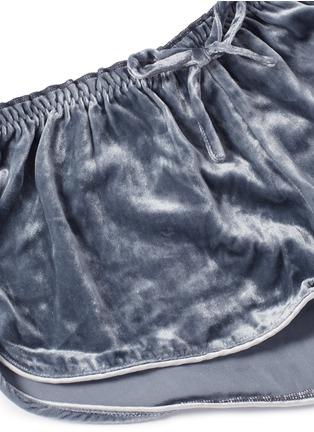 Detail View - Click To Enlarge - Love Stories - 'Audrey H' velvet pyjama boxer shorts