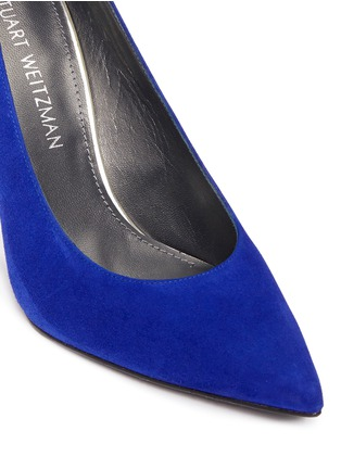 Detail View - Click To Enlarge - Stuart Weitzman - 'Heist' suede pumps
