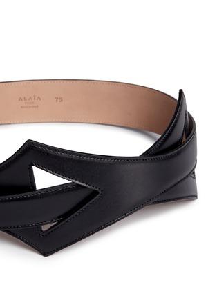 Detail View - Click To Enlarge - Alaïa - Geometric cutout overlap leather belt
