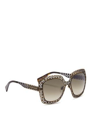 模特儿示范图 - 点击放大 - ALEXANDER MCQUEEN - Laser cut lattice metal sunglasses