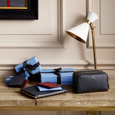 Smythson is a brand name that has become synonymous with fine quality leather products. Right from diaries and handbags to travel products and stationery, you can purchase luxurious and quality products made from genuine leather.