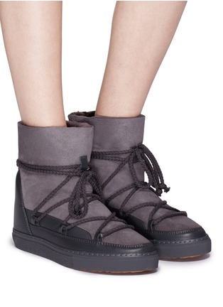 Figure View - Click To Enlarge - INUIKII - Leather panel lambskin shearling sneaker boots
