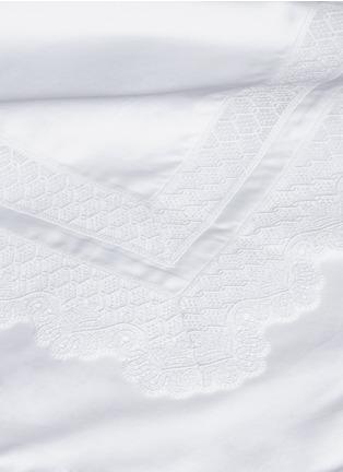 Detail View - Click To Enlarge - FRETTE - Macramé Lace king size duvet set