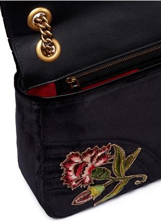 Detail View - Click To Enlarge - Gucci - 'GG Marmont' slogan floral appliqué matelassé velvet crossbody bag