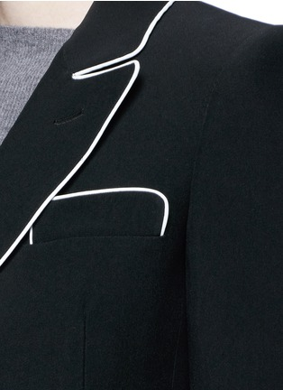 Detail View - Click To Enlarge - Alexander McQueen - Contrast piping leaf crepe blazer