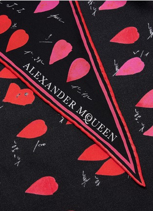 Detail View - Click To Enlarge - ALEXANDER MCQUEEN - Petal silk twill scarf