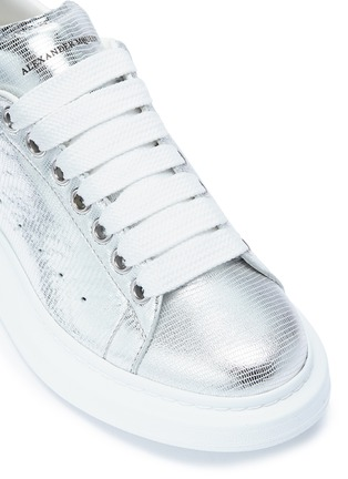 Detail View - Click To Enlarge - Alexander McQueen - 'Larry' chunky outsole metallic leather sneakers