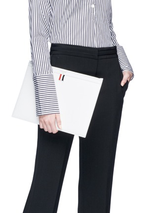 Figure View - Click To Enlarge - Thom Browne - Pebble grain leather document holder