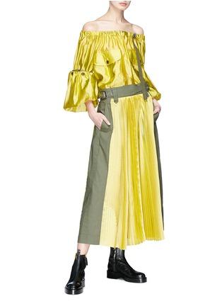 Figure View - Click To Enlarge - Sacai - Detachable sleeve off-shoulder grid silk top