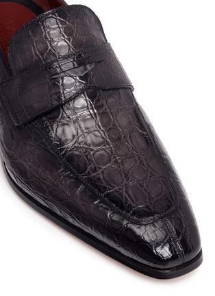 Detail View - Click To Enlarge - MAGNANNI - Crocodile leather penny loafers