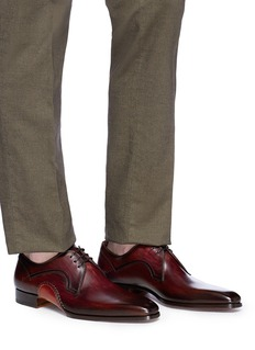 Magnanni Stitched detail leather Derbies