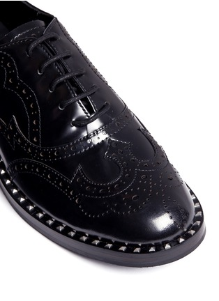 Detail View - Click To Enlarge - Ash - 'Wing' leather brogue Oxfords