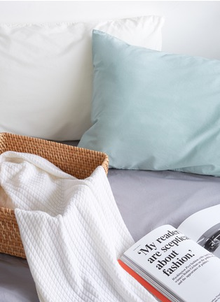 - LANE CRAWFORD - Cashmere throw – Off-White