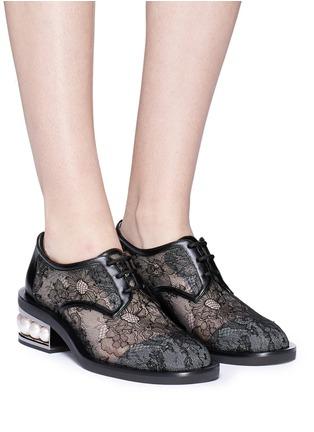 Front View - Click To Enlarge - Nicholas Kirkwood - 'Casati' faux pearl heel guipure lace Derbies