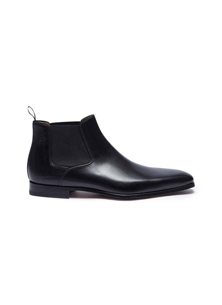 Leather Chelsea boots by Magnanni