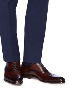 Magnanni Toe cap six eyelet leather Oxfords
