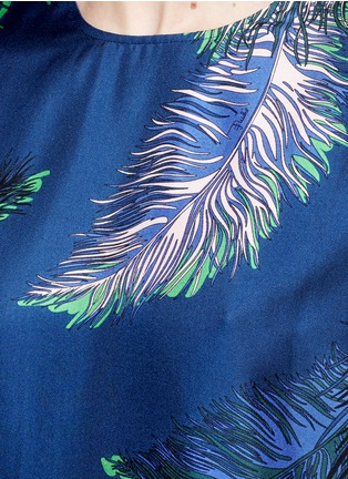 Detail View - Click To Enlarge - EMILIO PUCCI - Feather print silk twill top