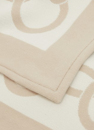 Detail View - Click To Enlarge - FRETTE - Chains throw –Beige/Milk