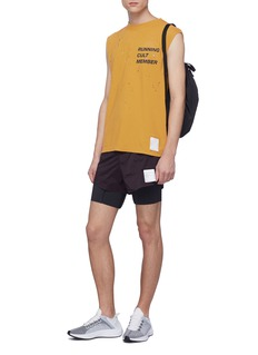 Satisfy 'Short Distance 8' slogan print running shorts