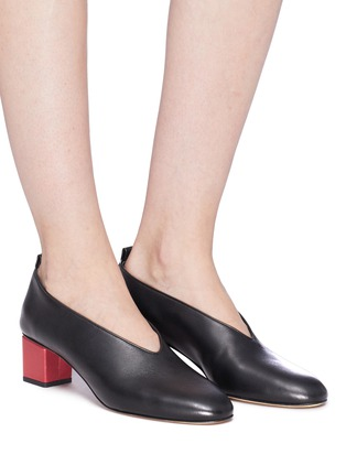 Figure View - Click To Enlarge - GRAY MATTERS - Mildred' geometric heel choked-up leather pumps