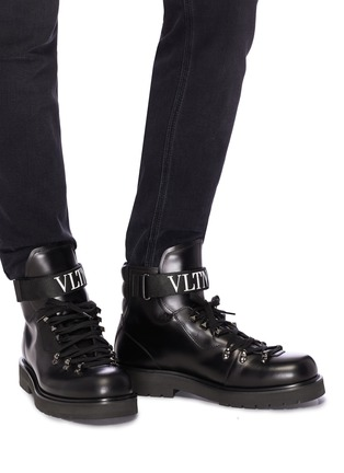 Figure View - Click To Enlarge - VALENTINO - Logo strap leather boots