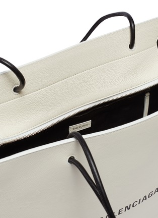 Detail View - Click To Enlarge - Balenciaga - 'East-West' logo print medium leather shopping tote bag