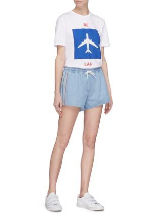 Figure View - Click To Enlarge - être cécile - Stripe outseam denim drawstring shorts