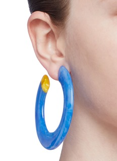 Cult Gaia 'Kennedy' marble effect hoop earrings