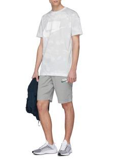 Nike 'SB' logo print Dri-FIT track shorts