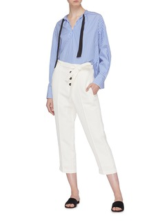 Short Sentence Belted button cropped twill pants