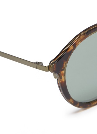 Detail View - Click To Enlarge - TOMAS MAIER - Metal temple layered acetate round aviator sunglasses