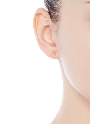 Figure View - Click To Enlarge - Jo Hayes Ward - '3 Cube Grid' 18k yellow gold stud earrings