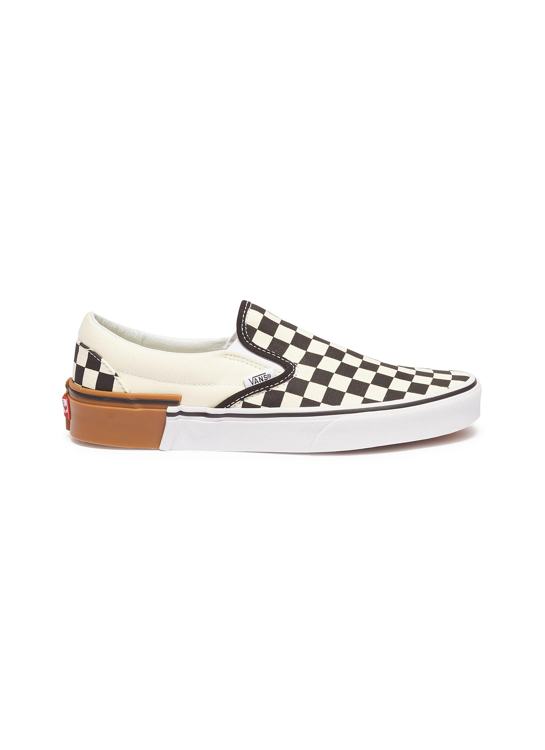 Gum Block Classic Slip On colourblock checkerboard skates by Vans