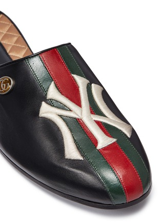 Detail View - Click To Enlarge - GUCCI - x Major League Baseball 'NY Yankees™' logo embroidered leather slides