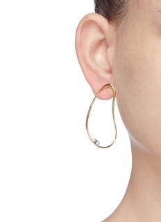 HYÈRES LOR 'White Moon' zirconia 14k gold wavy hoop single earring
