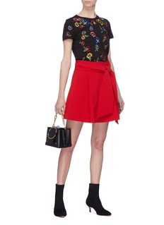 alice + olivia 'Rylyn' floral Stace Face embroidered T-shirt
