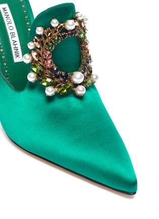 Detail View - Click To Enlarge - Manolo Blahnik - 'Tilda 105' embellished brooch satin mules