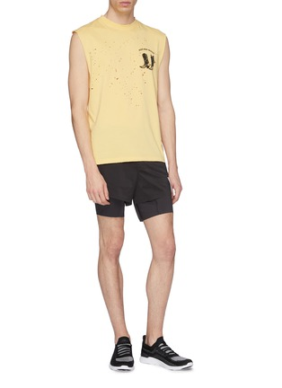 Figure View - Click To Enlarge - SATISFY - 'Short Distance' slogan print compression underlay running shorts