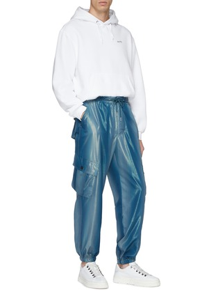 Figure View - Click To Enlarge - Feng Chen Wang - Metallic cargo jogging pants