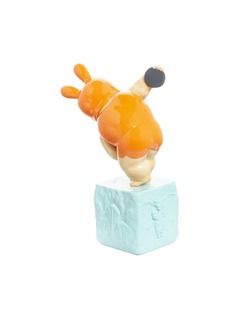 X+Q Baby Discus thrower sculpture