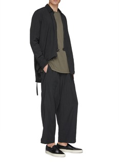 ATTACHMENT Pleated stripe drop crotch jogging pants